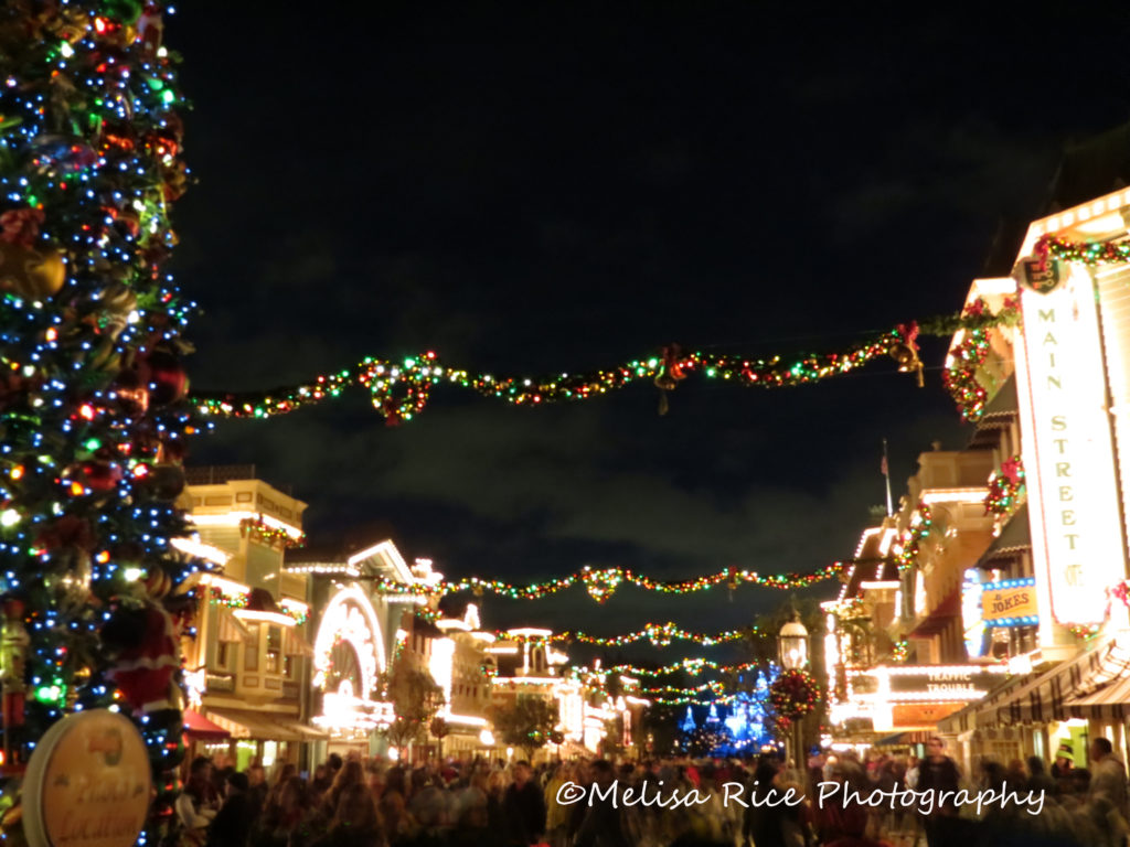 What Happens During the Holiday Season at the Disneyland Resort www.lifeinmouseyears.com #disneyland #christmas #familyvacation #disney