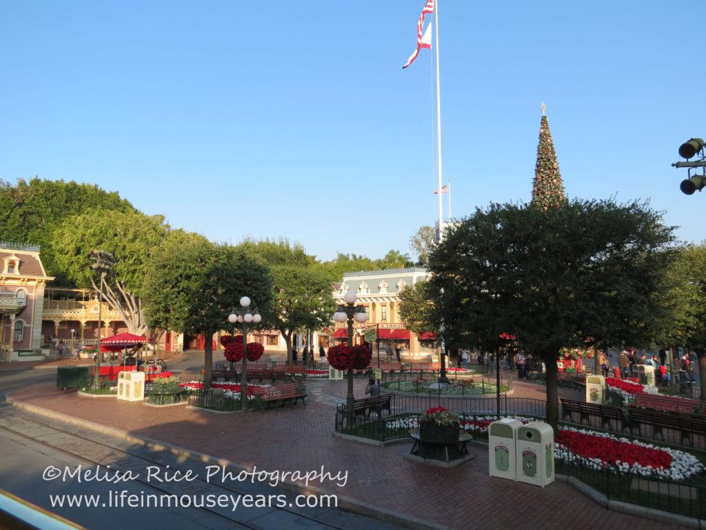 Omnibus Disneyland Main Street Modes of Transportation