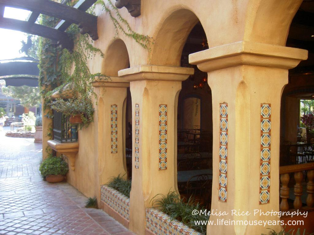 Rancho del Zocalo dining tips. Disneyland.