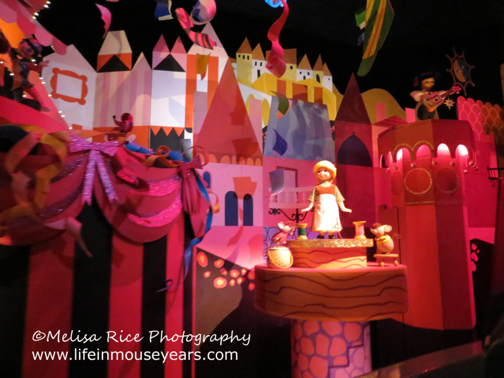 Secrets pf It's a Small World. Disneyland. Cinderella