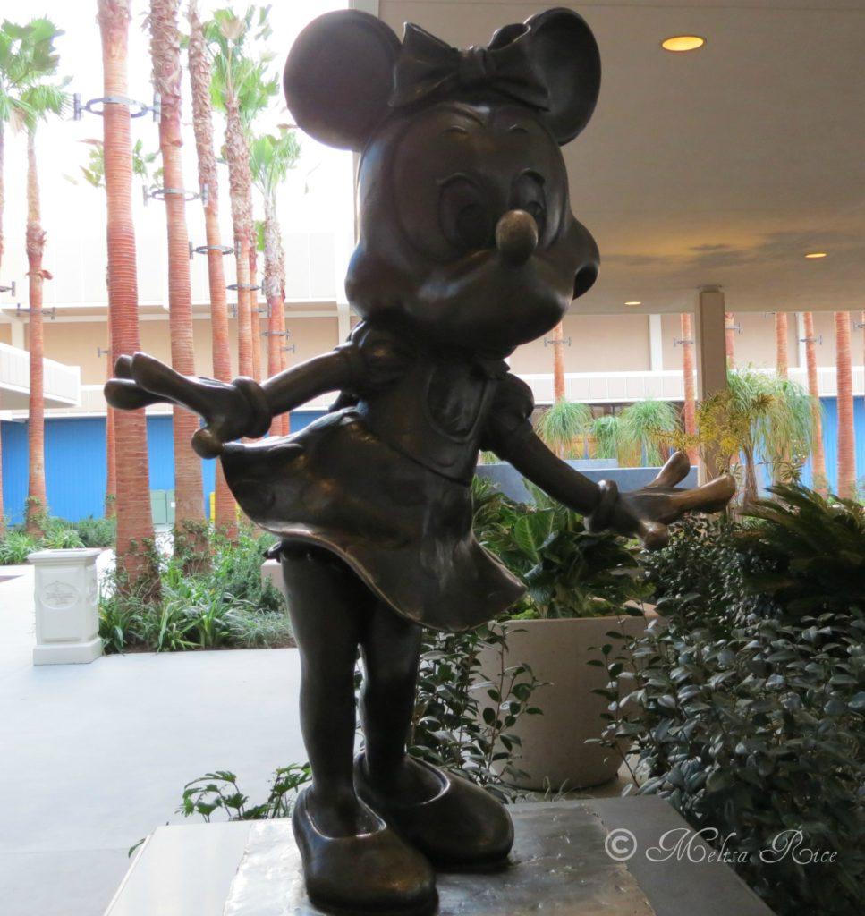 Disneyland Resort Hotels. What is the Difference? www.lifeinmouseyears.com #disneyland #disneylandresort #disneylandhotel #grandcalifornian #paradisepier #california #disney