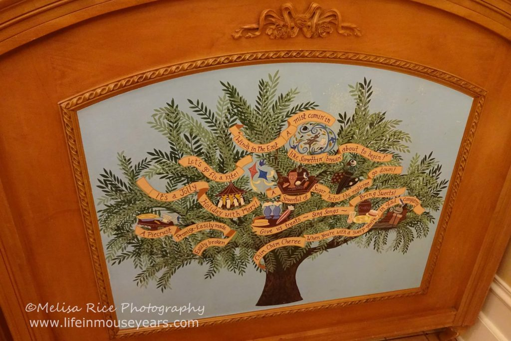 Jolly Holiday Bakery and Cafe www.lifeinmouseyears.com #lifeinmouseyears #jollyholidaybakerycafe #disneyland #yum #yummy