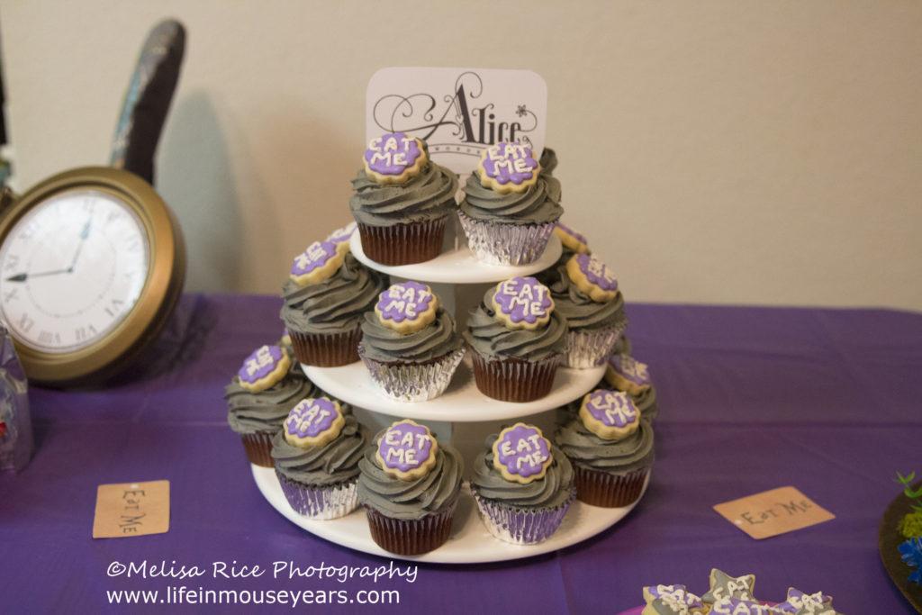 Alice in Wonderland cupcakes. DIY Disney.