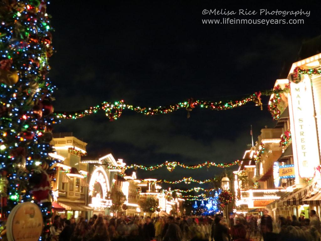 Holiday Time at Disneyland. Life in Mouse Years. #disneyland #california #travel #disney #mainstreetusa #holiday