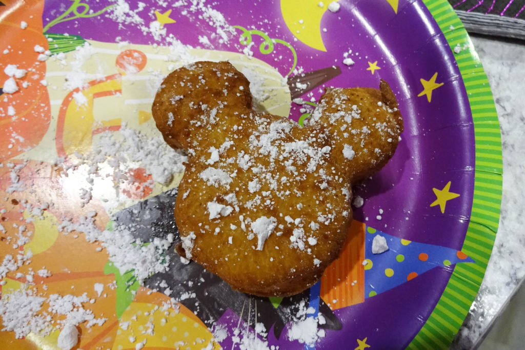 How to Celebrate Fall Disney Style. www.lifeinmouseyears.com #lifeinmouseyears #disney #disneyfoods #party #disneyparty #disneytheme #celebrate