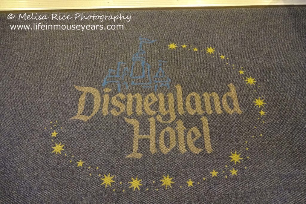 Costco Disneyland Vacation Packages 2020 www.lifeinmouseyears.com #disneyland #costcotravel #lifeinmouseyears #travelpackages #disneytravelpackages #california #disneyplanning #travel