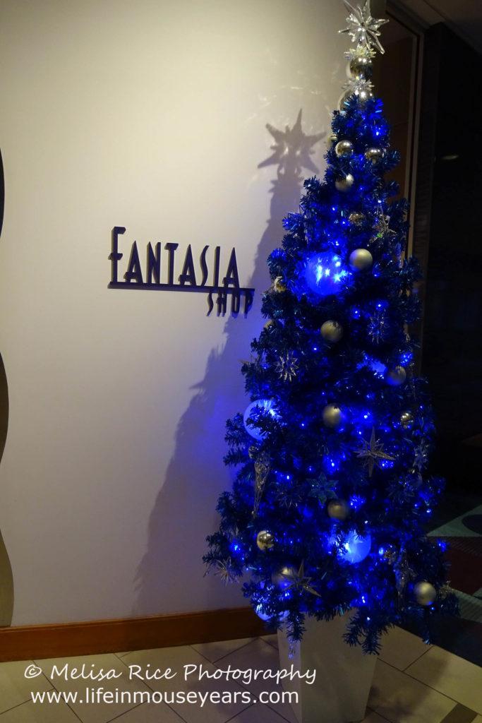 Explore Disneyland Hotel's Fantasy Tower www.lifeinmouseyears.com #disneylandhotel #california #lifeinmouseyears #fantasytower