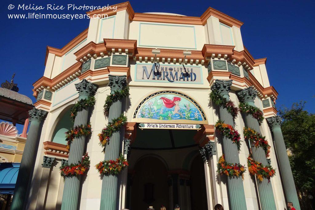 Ideas for Surviving Disneyland in the Rain www.lifeinmouseyears.com #lifeinmouseyears #rainydaydisneyland #disneyparks #california #rainydayideas #disneyland #californiaadventure #littlemermaid
