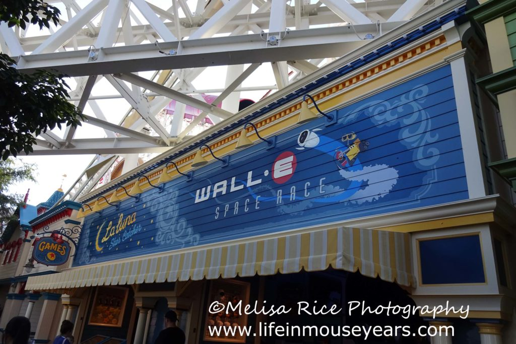 Exploring Pixar Pier www.lifeinmouseyears.com #lifeinmouseyears #pixarpier #californiaadventure #games #fun #laluna #walle