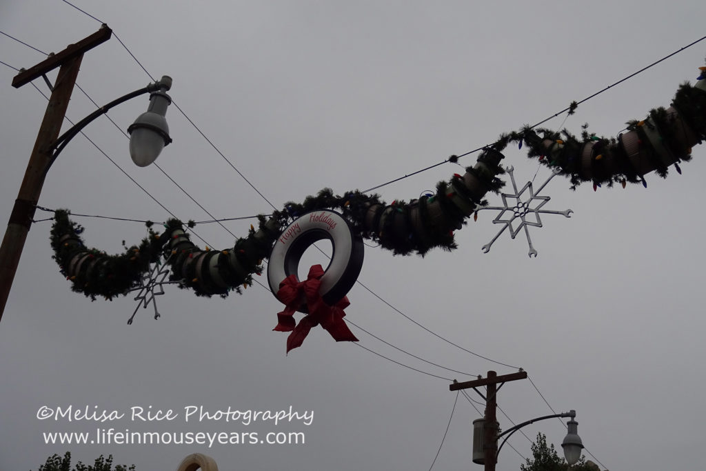 Top 5 To-Dos during the holidays at the Disneyland Resort www.lifeinmouseyears.com #lifeinmouseyears #holidays #disneyland #disneylandresort #disneylandholidayfun #californiaadventure #carsland #holidaycarsland