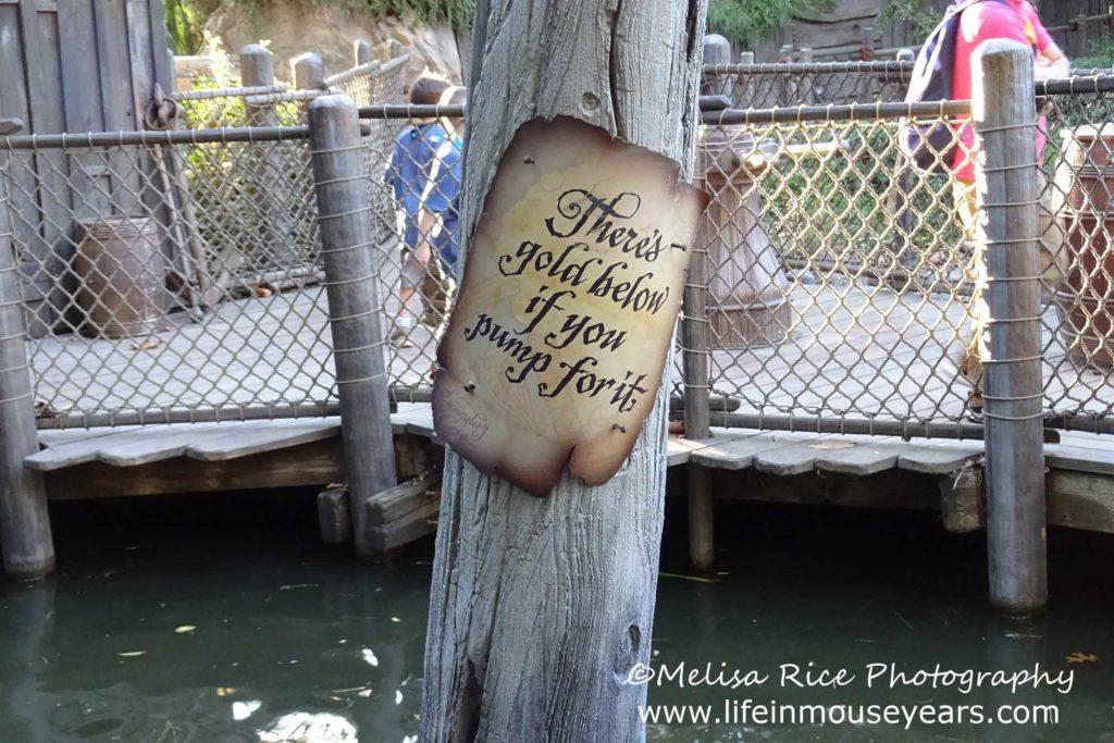 Touring Tom Sawyer Island www.lifeinmouseyears.com #lifeinmouseyears #disneyland #tomsawyerisland #marktwain