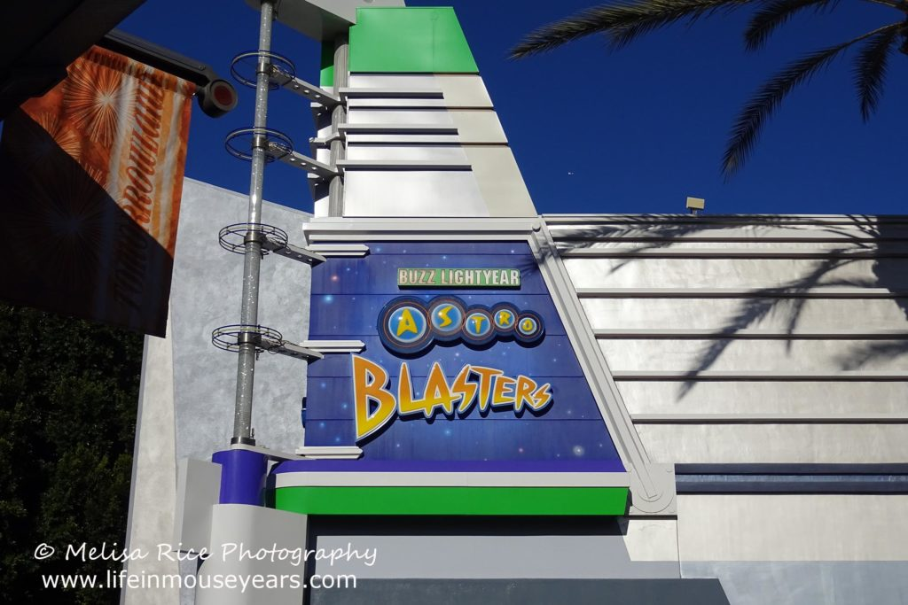 Exploring Tomorrowland Today www.lifeinmouseyears.com #lifeinmouseyears #disneyland #tomorrowland #buzzlightyear