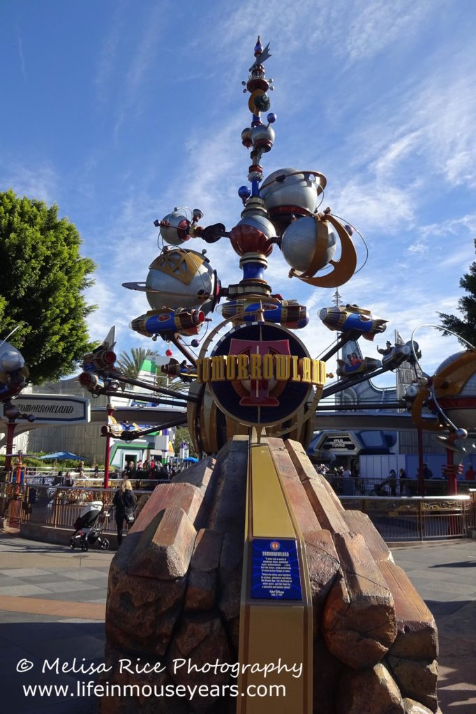Exploring Tomorrowland Today at Disneyland www.lifeinmouseyears.com #lifeinmouseyears #disneyland #tomorrowland #astroorbitor